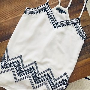 Tops - Embroidered white summer top, size XS